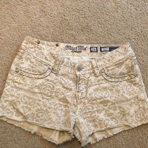 Miss me cream and tan patterned shorts. Like new!